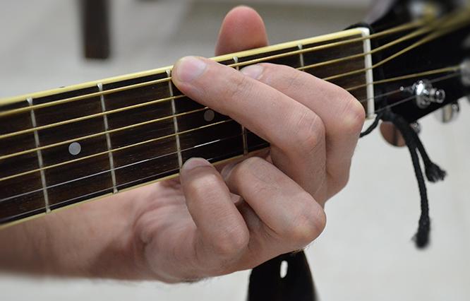 Видео уроки игры на гитаре для начинающих скачать